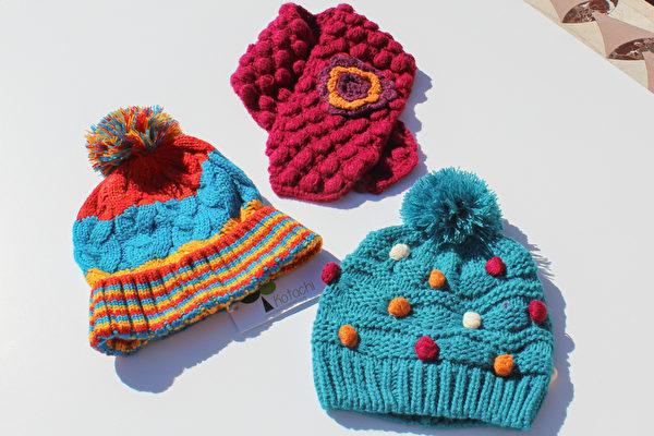 厚實保暖的兒童帽、圍巾。(譚安大紀元)