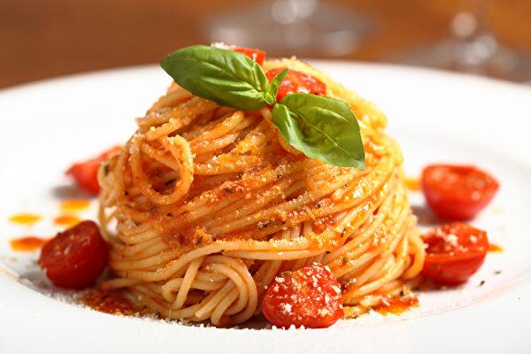 番茄風味意大利麵條(fotolia)