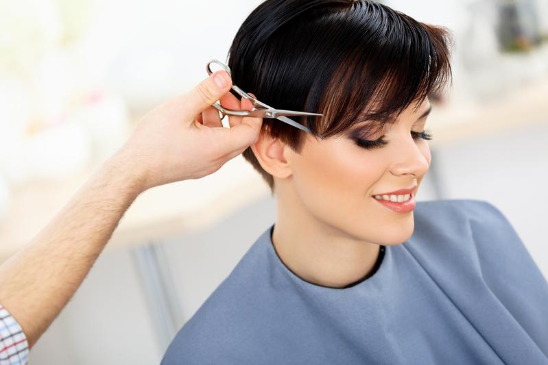 有想過享受不花錢的理髮服務嗎?(fotolia)