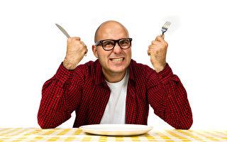 研究表明,進食的時候計算咀嚼次數和總共吞了幾口,持續一個月後體重會減輕。(Fotolia)
