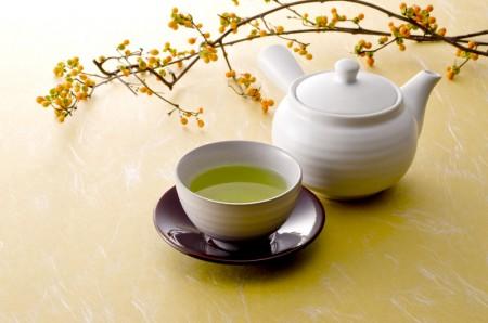 绿茶清澈明净天地之华(Fotolia)