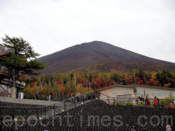 富士山近景(蓝海/大纪元)