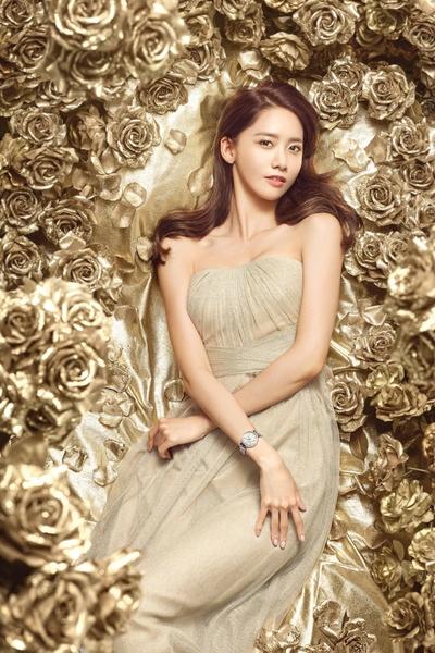 图为润娥新广告写真,奢华典雅。(公关提供)