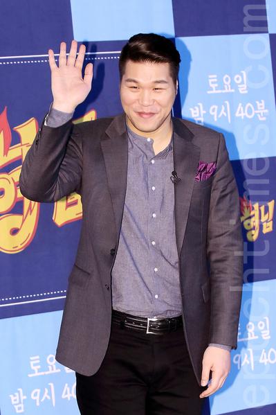 12月4日,圖為徐章勳在首爾參加新節目《認識的哥哥》製作發布會。(全宇/大紀元)。(全宇/大紀元)