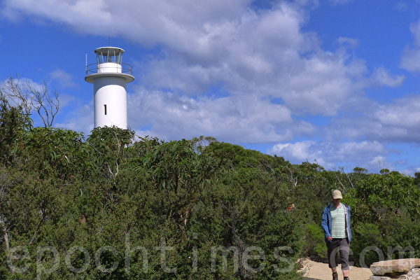 塔斯曼海边的图维尔角灯塔(Cape Tourville Lighthouse)(华苜/大纪元)