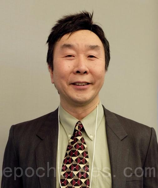 多倫多華裔註冊會計師李達明近幾年幫12位新移民找工作,其中7人已找到工作,大部分是全職工作。(周月諦 /大紀元)