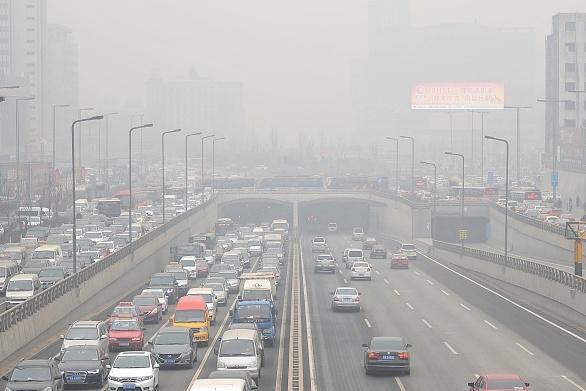 美国驻华大使馆测量得出,9日上午北京的空气污染程度更严重。 (Wei Liang/CNSPHOTO/ChinaFotoPress/ChinaFotoPress via Getty Images)