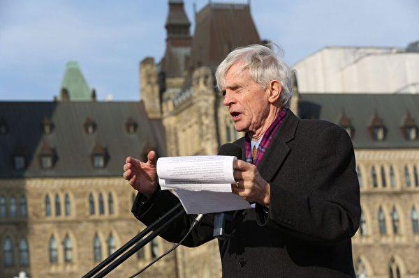 加拿大前亞太司司長大衛.喬高說:「請讓特魯多的新政府施壓北京結束從1999年開始對法輪功的迫害、鎮壓和殺戮,尤其是將他們作為良心犯販賣器官的行為!」(艾文/大纪元)
