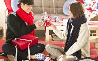 蔡旻佑(左)新歌《假男友》,首度邀请孟耿如当女主角,一起制造浪漫。(金三角提供)