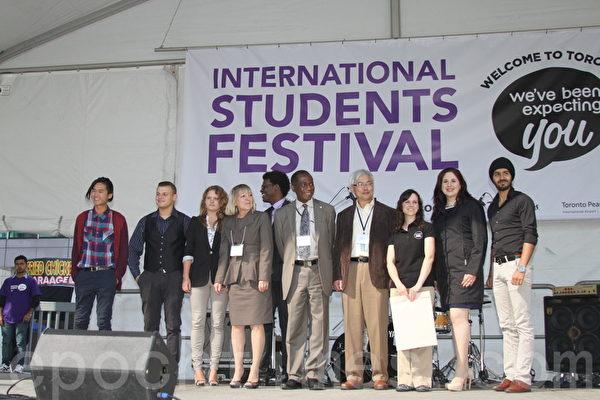 多伦多市政府几乎每年在多伦多市中心举办国际学生节(International Students Festival),至今已举办3届。(周月谛/大纪元)