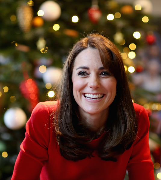 2015年12月15日,凯特王妃现身伦敦的安娜弗洛伊德中心,与民众共庆圣诞节。 (Chris Jackson - WPA Pool/Getty Images)