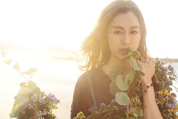 睽违歌坛3年半,范范即将推出新辑《范范的感恩节》。(福茂提供)