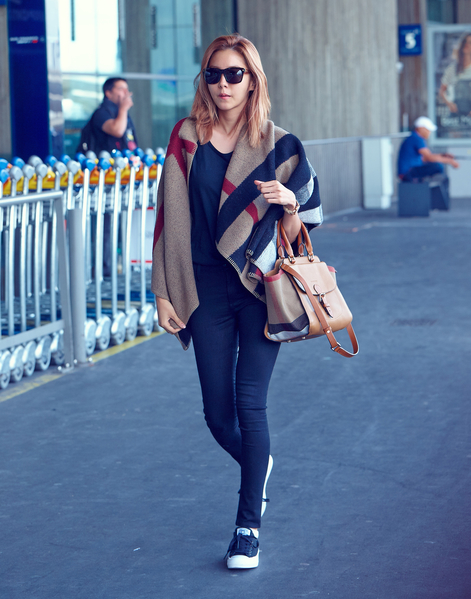 韩国女星UIE。(Burberry提供)