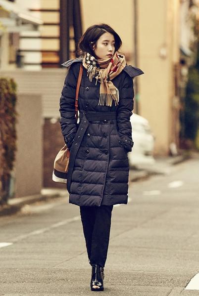 韩国女星IU。(Burberry提供)