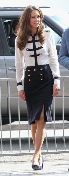 凯特王妃的开气裙装造型。(Chris Jackson/Getty Images)