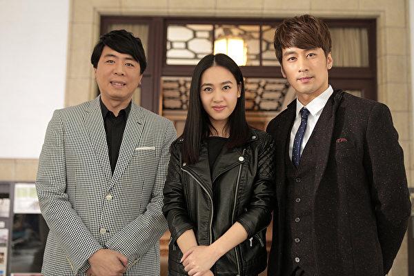 圖為梁赫群(左起)、王奕瑾、陳偉成在台北拍攝電影《前程似金》。(大唐國際娛樂提供)