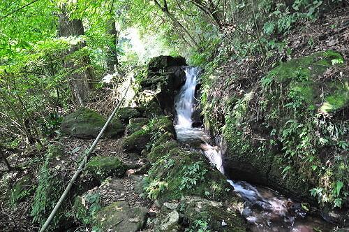 猴崁古道沿着猴崁水圳而行。(图片提供:tony)