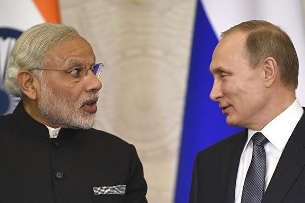 印俄加強國防關係 軍火商簽約合作