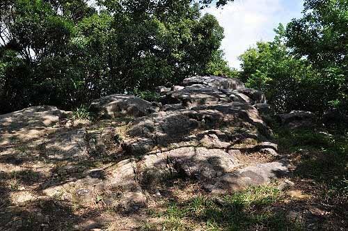 观日石(砂岩巨石)。 (图片提供:tony)