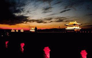 中國大陸的老百姓都在等著出大事。這恰恰也是中國面臨大變局在社會心理層面的一種表現。(AFP)