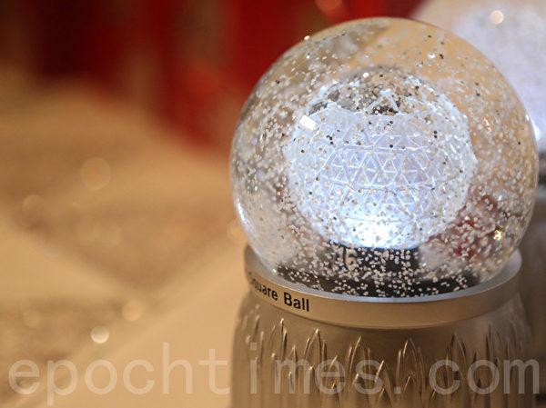 水晶球模型。(杜國輝/大紀元)