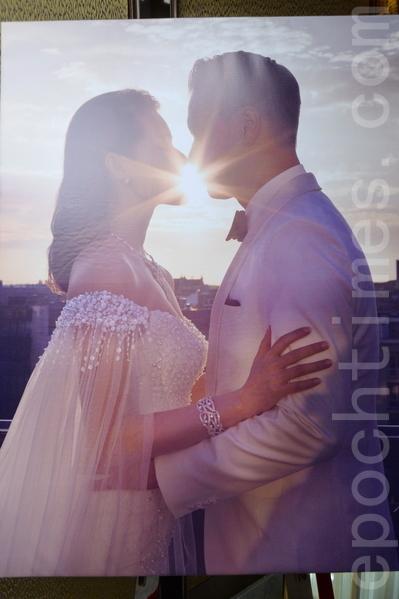 胡杏儿婚纱照。(大纪元翻拍)