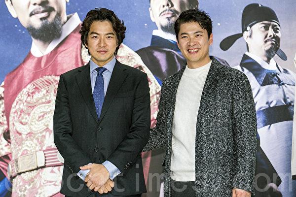 12月28日,韓國電視台KBS大河電視劇《蔣英實》製作發布會在首爾永登浦區舉行。圖為宋一國(左)、金相慶。(全景林/大紀元)