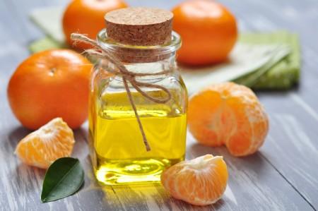 橘子精油可以緩解焦慮和噁心嘔吐症狀。(Fotolia)
