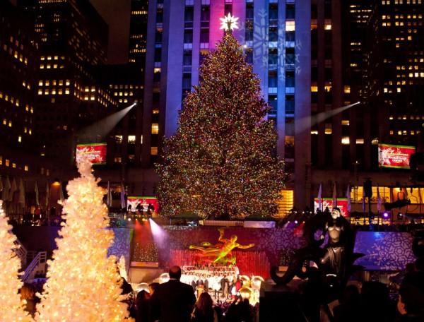 纽约洛克斐勒中心圣诞树点灯(戴兵/大纪元)