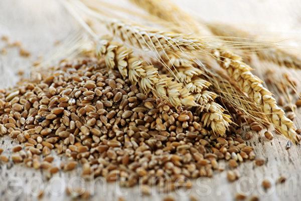 每天吃2至3份全谷物的人,比其他人罹患二型糖尿病的概率低30%。(Fotolia)