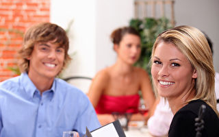 纽约部分餐馆禁止进餐时使用手机