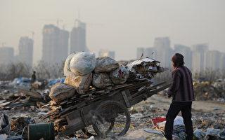 北京大学一份研究报告显示,中国目前的贫富差距已经居世界所有国家之最。这巨大的贫富差距恐造成社会动荡。 (AFP)