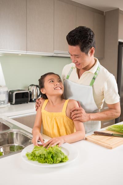 受過培訓的孩子回家會做演示,父母們更喜歡讓孩子在家裡做飯。(fotolia)