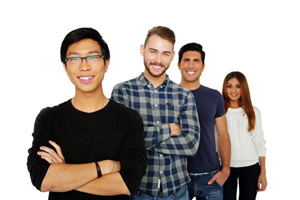 """研究指出,由于被定位为""""聪明的亚洲人"""",在""""自我实现预期""""下,亚裔生投入很多精力做功课,以不辜负社会的期望。(fotolia)"""