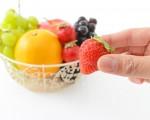 美国哈佛大学的研究表明,每天多吃水果可以避免体重增加,有助身体健康。(Fotolia)