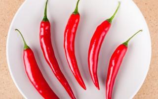 辣椒中的活性成分辣椒素具有刺激性,会产生一种灼热的痛觉。(Fotolia)