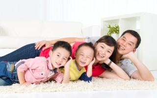 家庭旅遊生活網站(LiveFamilyTravel)創辦人、亞裔旅遊作家克里夫.夏(Cliff Hsia)撰文表示,在國外旅行時,幾乎遇不到出國旅遊的美國亞裔家庭。究其原因,經過他多年的觀察及思考,歸納「機會成本太高」、「孩子教育甚於一切」、「對未知的恐懼」等三個因素。(Fotolia)