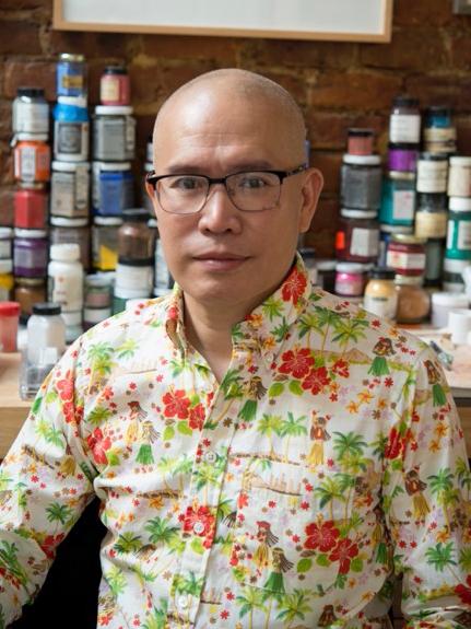 华裔艺术家麦锦鸿(Kam Mak)。(本人提供)