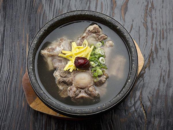 冬季新品——滋补牛尾汤。(图/GamMeeOk提供)