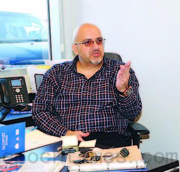 加拿大最大的房车服务商市场部经理马修‧卡齐尔(Matthew Kachkar)。(大纪元)