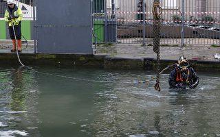 2016年1月4日,為清理汙泥及河底垃圾,巴黎當局已遷移聖馬丁運河(圖)中的數萬隻魚。(PATRICK KOVARIK/AFP/Getty Images)