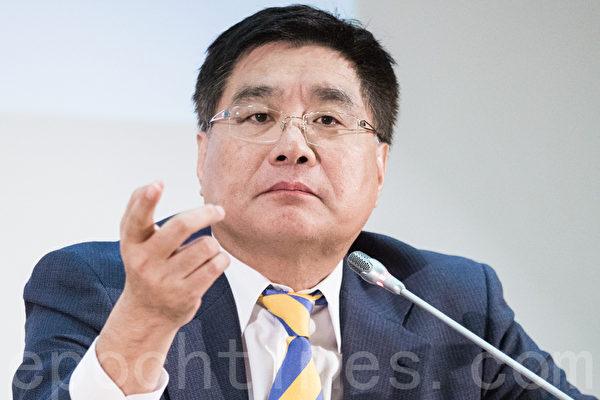 """台湾关怀中国人权理事长杨宪宏指出,共产党是没有良心的,不认为自己有错,像是对法轮功学员进行活摘器官,""""这都是反人类的,如此地邪恶。""""(陈柏州/大纪元)"""