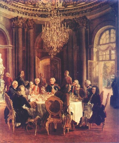 波茨坦王宮的宴會,普魯士國王腓特烈二世左邊的是伏爾泰。(公共領域)