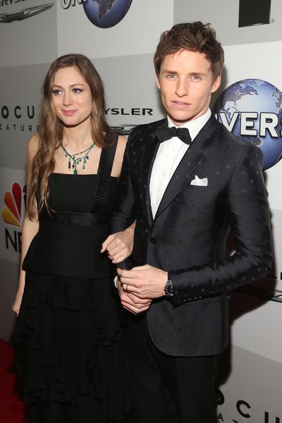 去年金球獎影帝艾迪‧雷德梅恩與夫人漢娜。(Jesse Grant/Getty Images)