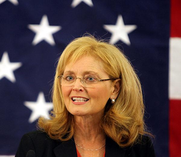 美国国际宗教自由委员会(USCIRF)委员、前主席卡翠娜‧兰托斯‧斯维特博士(Katrina Lantos Swett)(USCIRF 图片)