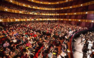 神韻紐約接連爆滿 劇院外上演「讓票記」