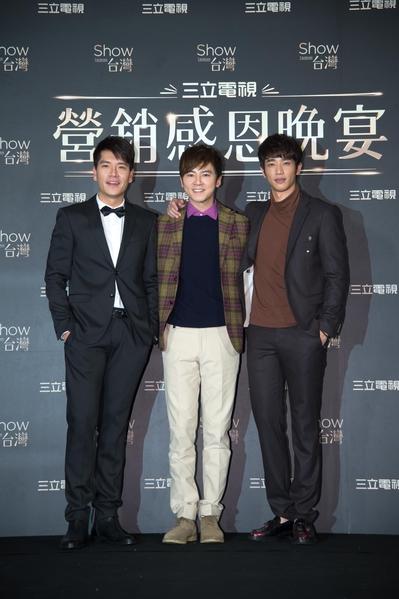 圖為王傳一(左起)、李國毅與劉以豪。(三立提供)
