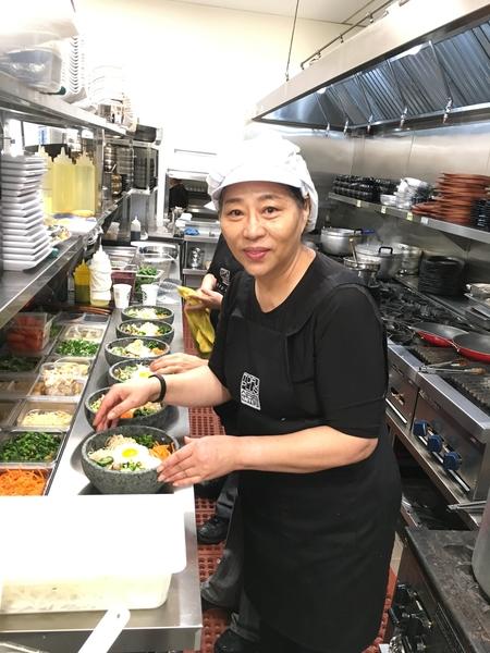 Tofu Plus老板兼大厨Elisa Lee,她也是加州很多韩餐馆的师傅。(店家提供)