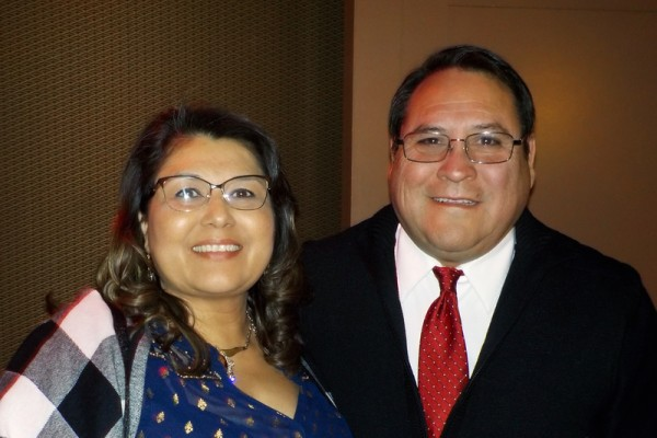 Robert Madrid和太太Diana Madrid于2016年1月23日下午 在美国拉斯维加斯史密斯艺术中心(Smith Center)观看了神韵演出。他们希望神韵回中国大陆演出。(Jackie Rios/大纪元)