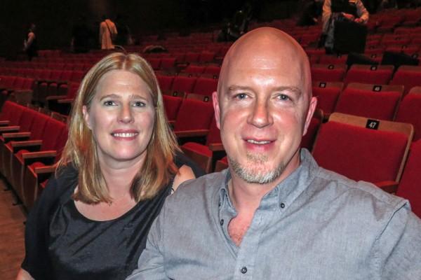 """从事咨询工作的Sherry Beamer和先生Jason Glaim表示:""""演出太迷人了,我们喜欢所有的节目。""""(廖青/大纪元)"""